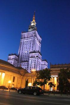 Palais de la Culture offert par les Soviétiques