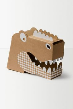 Nom, Nom, Nom! #diY Monster #cardboard head. Just Luv'd on @Luvocracy |