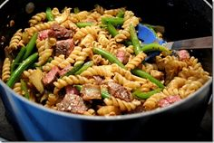 Pasta with green beans and steak