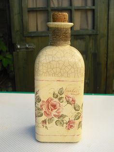 I could so hand paint all these decoupage items. Diy Bottle, Wine Bottle Crafts, Bottle Art, Decoupage Glass, Decoupage Art, Bottles And Jars, Glass Bottles, Shabby Chic Kitchen Accessories, Pastel Home Decor