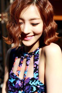 Korean Short Hair / Barrel Waves / Bob Hair Barrettes, Hair Clips, Afro, Wavey Hair, Curly Hair, Korean Short Hair, Korean Model, Hair Piece, Fine Hair