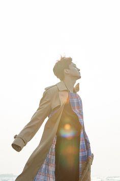 Chen - April and a flower 💚🌼💚 Baekhyun, Park Chanyeol, Waiting For Baby, Exo Official, Kim Minseok, Exo Chen, Entertainment, Kris Wu, Kim Junmyeon