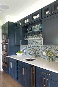 Super white kitchen remodel on a budget gray 43 ideas White Bathroom Cabinets, Dark Kitchen Cabinets, White Cabinets, Kitchen Counters, Wood Cabinets, Kitchen Island, Kitchen Colour Schemes, Kitchen Paint Colors, Color Schemes