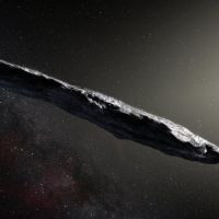 A mysterious cigar-shaped space rock that shot suspiciously close to Earth could be an alien spacecraft that broke down on its interstellar journey. That's according to one prominent space sc… Sistema Solar, Internet Trends, Stephen Hawking, Aliens, Alien Ship, Planetary System, Alien Spaceship, Star System, Our Solar System