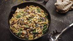 Wild Mushroom and Spinach Tagliatelle - Lurpak Dried Mushrooms, Spinach Stuffed Mushrooms, Vegetarian Dinners, Vegetarian Recipes, Pasta Recipes, Cooking Recipes, Greek Cooking, Creamed Spinach, Plant Based Eating