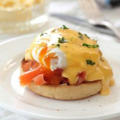 Smoked Salmon and Eggs Benedict is the ultimate Sunday Brunch! Smoked Salmon and Eggs Benedict is the ultimate Sunday Brunch! Head over to The Flour Works and gorge in this healthy and delicious treat! Breakfast And Brunch, Breakfast Dishes, Best Breakfast, Breakfast Recipes, Sunday Brunch, Fodmap Recipes, Egg Recipes, Brunch Recipes, Cooking Recipes