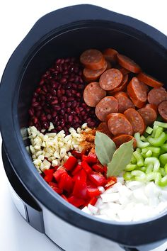 Pot Red Beans and Rice Crock Pot Red Beans and Rice -- this easy recipe only takes a few minutes to prep, and it's full of the BEST Creole flavors. Crock Pot Slow Cooker, Crock Pot Cooking, Slow Cooker Recipes, Cooking Recipes, Healthy Recipes, Crockpot Meals, Crock Pots, Soul Food Recipes, Fast Recipes
