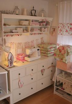 vintage style craft and sewing room.I would love a craft room! Sewing Spaces, My Sewing Room, Sewing Rooms, Sewing Room Organization, Craft Room Storage, Craft Rooms, Organizing, Decoration Shabby, Coin Couture