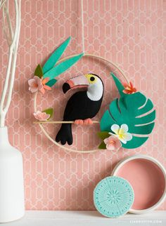 ...with this fabulous DIY felt toucan wall hanging. It is wonderful for adding a little tropical touch to your seasonal decor, or it can be the start of ...