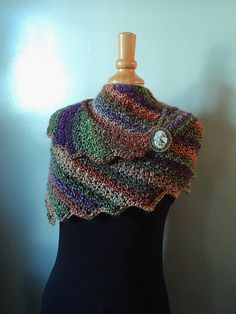 Here is the fabulous Snowdrop shawl translated into French ! Source by Freeform Crochet, Crochet Shawl, Diy Crochet, Knitted Shawls, Crochet Scarves, Crochet Clothes, Knitting Patterns, Crochet Patterns, Drops Design