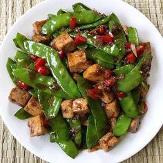 Stir Fry Tofu with Snow Peas Pea Recipes, Tofu Recipes, Asian Recipes, Vegetarian Recipes, Healthy Recipes, Oriental Recipes, Chicken Recipes, Healthy Food, Filipino Vegetable Dishes