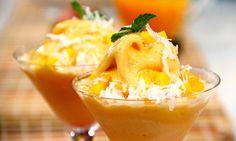 Lo mejor de este viernes lo puedes preparar en casa! Date un gustazo con este yogurt helado de mango!   The best thing of this Friday its about to happen in your kitchen! Make this delicious mango frozen yogurt today!