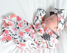 Baby Girl Clothes are SO DARN ADORABLE! This floral newborn gown is a great gift idea and a new mom must have for that new baby girl! Baby Girl Coming Home Outfit, Newborn Girl Coming Home Outfit, Baby Girl Clothes, Newborn Girl Outfits, Knotted Sleep