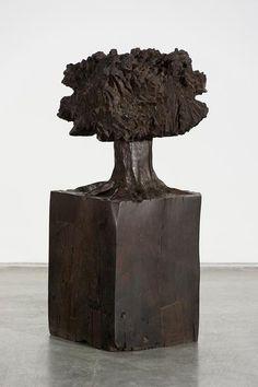 José Bento  Árvore,   Madeira esculpida   74 x 29 x 29cm