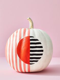 You'll just need crafts paint, a bowl and electrical tape to create this striking mod pumpkin. Faux Pumpkins, White Pumpkins, Painted Pumpkins, Halloween Pumpkins, Halloween Decorations, Halloween Garland, Halloween Treats, Diy Halloween, Halloween Costumes