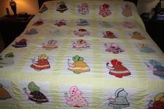 Vintage King/Queen Size Sunbonnet Sue Quilt/Handmade Applique Quilt/Embroidered Quilt/1970's Quilt/1960's Quilt/Calico…