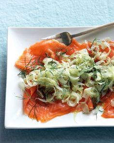 ¿Fanático de las ensaladas?. Prepara esta deliciosa receta baja en calorías de Ensalada de Salmón Ahumado con Hinojo. http://www.saborcontinental.com/2014/05/ensalada-de-salmon-ahumado-con-hinojo/