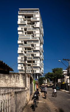 "ombuarchitecture: "" Isay Weinfeld 360º Building 