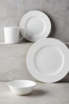 Slide View: 2: Caskata Summer White Dinner Plate