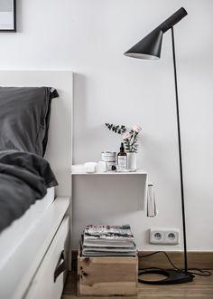 bed mornings | bedside table scandinavian style, Arne Jacobsen lamp | My Full House