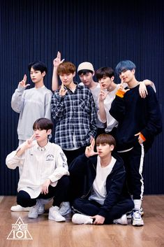 Behind Pictures of practicing Group X Battle - Lee Sejin, Hong Seongjun, Cho Seungyoun, Kim Wooseok (Wooshin), Kim Sihun, Keum Donghyun & Lee Hangyul