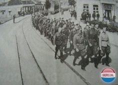 Harlingerstraat Bolsward (jaartal: 1940 tot 1945) - Foto's SERC Ww2 History, Dutch, Street View, Snow, Outdoor, Soldiers, Outdoors, Dutch Language, Outdoor Games