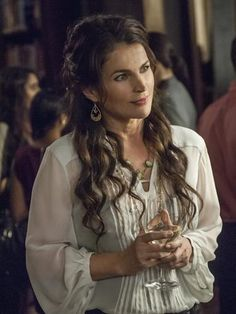 Photos - Witches of East End - Season 1 - Promotional Episode Photos - Episode - Unburied - Witches of East End - Episode - Unburied - Promotional Photos Julia Ormond, Madchen Amick, Witches Of East End, Davina Claire, Beautiful Old Woman, Hello Beautiful, Original Supermodels, The Good Witch, Fashion Tv