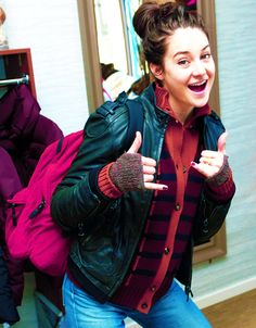 I love Shailene Woodley she is my idol Shailene Woodley, Veronica Roth, Hunger Games, Pretty People, Beautiful People, Scorpio Girl, Film Serie, Celebs, Celebrities