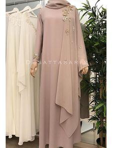 No photo description available. Abaya Fashion, Modest Fashion, Fashion Dresses, Dress Outfits, Hijab Dress Party, Hijab Style Dress, Dress Brokat, Kebaya Dress, Abaya Designs