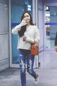 [HQ] 181022 Jessica ICN airport (back to Korea) Cre: jessture