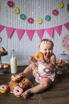 As far as we're concerned, a photoshoot revolving around milk and donuts is the perfect way to celebrate your youngin's first birthday. Birthday Girl Pictures, Girl First Birthday, Baby Birthday, Birthday Crafts, Birthday Ideas, Donut Birthday Parties, Donut Party, 1st Birthday Photoshoot, Smash Cake Girl
