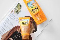 Don't forget to use suncare before sunbathing! You can find a review on these drugstore products on www.modewahnsinn.de