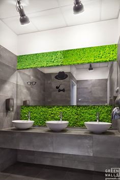 Living Wall Bathroom Awesome Living Wall for Creating Your Own Vertical Garden Bathroom Living Wall Bathroom. The easy way to add a living wall in a bathroom … Vertical gardens and residentia… Restroom Design, Bathroom Interior Design, Toilette Design, Moss Wall, Public Bathrooms, Cafe Interior, Restaurant Design, Sylvia Restaurant, Office Interiors