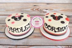 Mickey and Minnie smash cakes for a boy/girl twins first birthday #twinsbirthday…