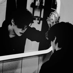 '' curious is the fact that all Black loves and hates a mirror - but at all times, they see a monster. Bad Boy Aesthetic, Book Aesthetic, Character Aesthetic, Barbeau, Ai No Kusabi, Wow Photo, Photographie Portrait Inspiration, Jason Todd, Foto Pose