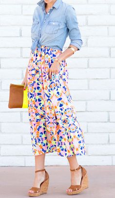 I love the length, print, and colors of this dress.
