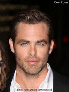 Chris Pine  Los Angeles Premiere of 'Jack Ryan: Shadow Recruit' at the TCL Chinese Theatre - Red Carpet Arrivals http://www.icelebz.com/events/los_angeles_premiere_of_jack_ryan_shadow_recruit_at_the_tcl_chinese_theatre_-_red_carpet_arrivals/photo8.html