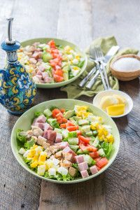 Paleo Lunch Idea: Cobb Salad (without the croutons of course)