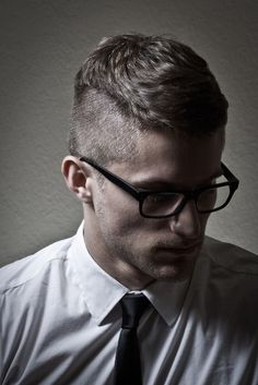 Side Shaved Front Layers:Summer Haircuts for Men.