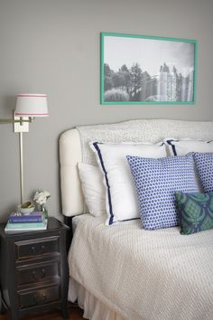 Grey and blue bedroom | theglitterguide.com