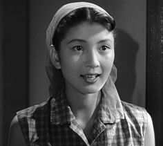 Kochi Momoko (河内桃子) 1932-1998, Japanese Actress Strong Character, Scream Queens, Kochi, Photos Of Women, Godzilla, Science Fiction, Athlete, Dancer, Horror