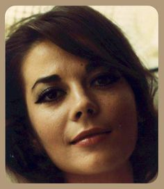 Natalie Wood, beautiful photo of her Hollywood Star, Classic Hollywood, The Most Beautiful Girl, Beautiful Women, Beautiful People, Beautiful Eyes, Miracle On 34th Street, Splendour In The Grass, Star Pictures