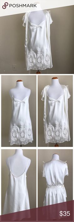 🌼Oscar de la Renta Pink Label nightgown🌼 Gorgeous Oscar Fe la Renta Sleepwear in Excellent condition, 💯% Polyester  Dress is in perfect condition the robe has a small stain on the back which is barely noticeable which can be seen in the last picture Smoke Free Home 🏡 Oscar de la Renta Intimates & Sleepwear Robes