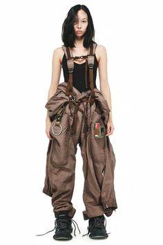 date casual outfit Mode Cyberpunk, Cyberpunk Fashion, Dystopian Fashion, Cyberpunk Clothes, Mode Outfits, Fashion Outfits, Womens Fashion, Workwear Fashion, Female Fashion