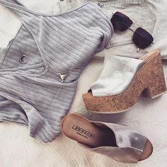 """""""Silver vibes""""  Cuñas de corcho -ahora solo por 67,90EUR, combínalas con tus looks de verano 😍  Liberitae.com  #sienteteliberitae   #liberitae   #liberitaeshoes #sienteteliberitae #leather #leathershoes #shoes #shoedesign #piel #zapatos #zapatosdepiel #madeinspain #hechoenespaña #calzado"""