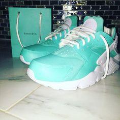 Tiffany Nike Huaraches