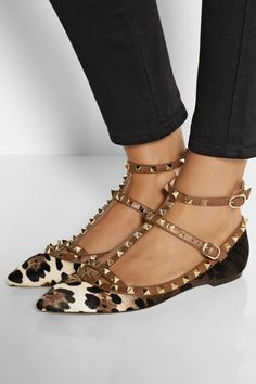 Valentino - Rockstud leather and leopard-print calf hair point-toe flats Valentino Rockstud Flats, Valentino Shoes, Leopard Print Flats, Leopard Pumps, Ballerine Leopard, Buy Shoes, Me Too Shoes, Valentino Designer, Pointed Toe Flats