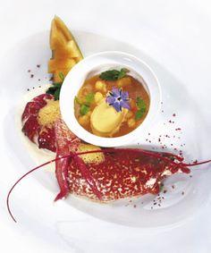 Bretonischer Hummer mit Melonenkaltschale, Hummer-Eis und Pfeffer-Vanille-Rahm