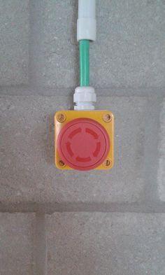 Deze knop vormt een groot punt en door de kleur opvalt.