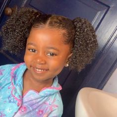 Discovered by Quo. Find images and videos about cute, smile and kids on We Heart It - the app to get lost in what you love. Cute Mixed Babies, Cute Black Babies, Beautiful Black Babies, Cute Little Baby, Pretty Baby, Cute Baby Girl, Beautiful Children, Cute Babies, Black Baby Girls